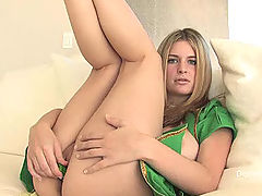 Danielle FTV is playing in the green