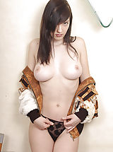 Big.Tits Nippels, Beautiful brunette model