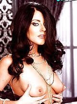 Naked Suze Randall, Sophie Dee Model Bio & Free Nude Pics