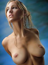 women with hard nipples, Corinna - Corinna