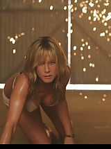 Girls Nipples, See Jennifer Aniston's tight small caniston!
