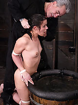 Fetish Nippels, Penny gets tiled up, blindfolded, and sprayed down with water