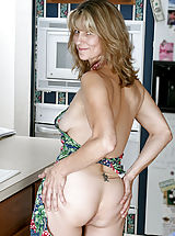 Naked Anilos, Fresh Anilos mom teases her pussy with a mixing spoon after cooking dinner