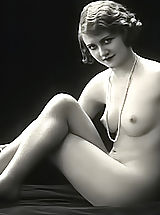 Very Old Erotic Vintage Postcards From France Displaying Fully Naked Women