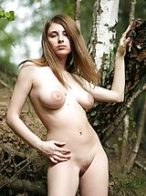 True Beauty Nippels, Leticia gets all natural in nature
