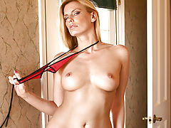 Milf Vids: Darryl Hanah bounces her pussy on a suction cup dong