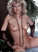 Sapphic Erotica Nippels, Vintage Porn at its best from Vintage Cuties
