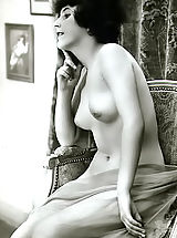 Vintage Photos Of Naked Ladies From The Beginning Of The 20 Century - Very Hot