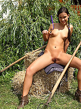 naked girls, farners daugter showing tits and pussy