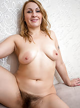 Milf Nippels, Ginger_love - Hot mom with a big round booty shows off her soft furry twat