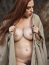Vintage Look, WoW nude titania farmers daughter