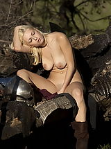 Fantasy Pics: WoW nude anielle and kiki continue to fight