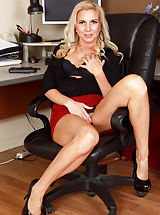 Jessica_taylor - Gorgeous secretary strips down to spread her juicy fuck hole open