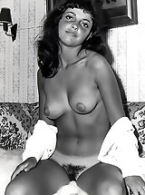 Retro Pics, Nylons and Unshaven Pussies Are Gorgeous on the Historic Models with Their Big Natural Breasts in the Bare