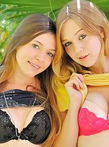 naked girls, Aurielee Alaina round asses