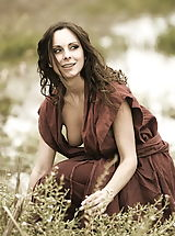Vintage Online, WoW nude winter medieval farmers daughters