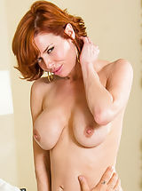 Hard Nipples, Veronica Avluv