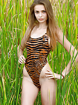 Monokini, Elle | Hiding in the Grass