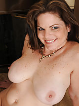 Women with big Areola, Naughty 36+ Mommy exposes her properly experienced cunt Looking great is elegant Marie Michaels spreading for the camera