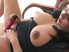 Nipples Vids: Julie fucks her new dildo