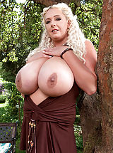 Areola Showing, Huge Titty Hottie Oktoberbreast Never Ends