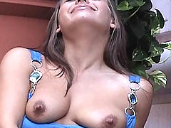 Nipples, Renna plays in a public place