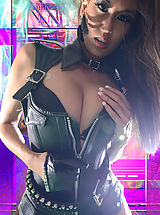 Actiongirls Nippels, Lyna Hot Babe in Action