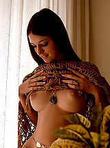 Vintage Pics: Natural Very Beautiful Naked Women In The Erotic Photos Circa 1965 From VintageCuties.com