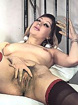 Two hairy sixties girls in stockings spread