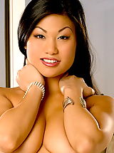 naked chick, Leilani Lee