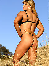 Nikki Fuller Muscles in the Fields