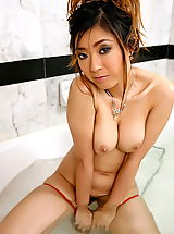 Naked Asian, yukiko jung 04 large labia shower