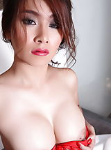 Asian Nippels, Jenny Lee