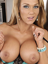 naked tv, Nikki Sexx