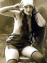 Vintage Fashion, Very Old Genuine Vintage Erotic Postcards With Naked Women From France Circa 1920