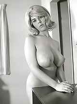 Exclusive Old Time Erotica Photos of a Big Curvy Pornography Queen of 1960s Owner of Enormous Pair of Fucking Breasts