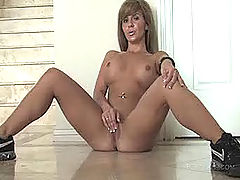Fetish Vids: Patricia fucks her new toy
